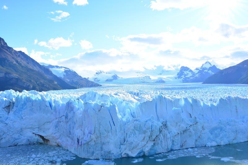 Download Glacier De Perito Moreno En EL Calafate, Argentine Photo stock - Image du inside, moreno: 87703500