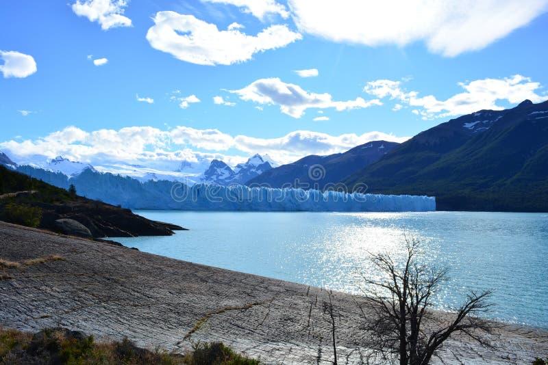 Download Glacier De Perito Moreno En EL Calafate, Argentine Image stock - Image du national, ville: 87703551