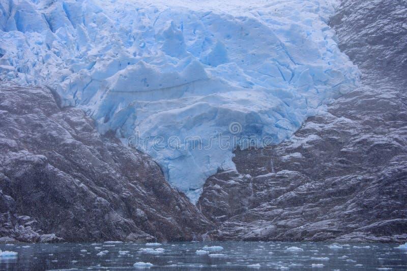 Glacier de Santa Ines dans le détroit de Magellan photos libres de droits