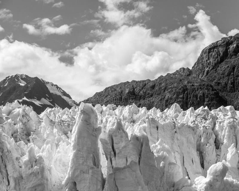 Glacier et montagnes images libres de droits