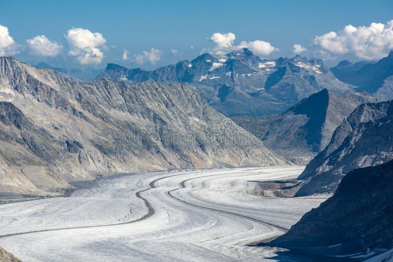 Glacier majestueux d'Aletsch dans les Alpes suisses photographie stock libre de droits