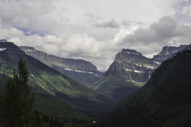 Glacier Nationalpark-Montana-Berge lizenzfreies stockfoto