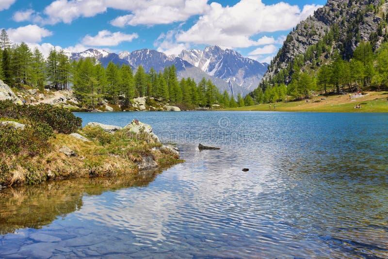 Glacjalny Arpy jezioro blisko Morgex, Aosta dolina w północnym Włochy zdjęcia royalty free