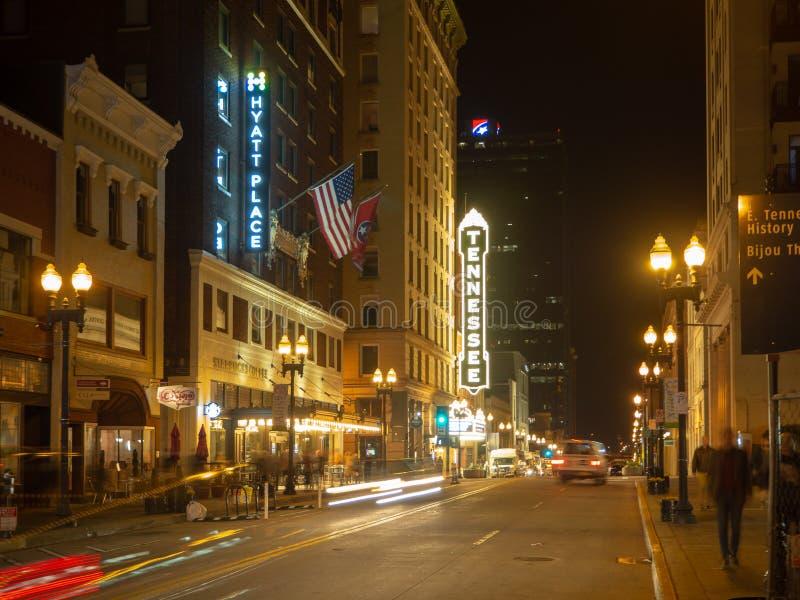 Glad gata, Knoxville, Tennessee, Amerikas förenta stater: [Uteliv i mitten av Knoxville] royaltyfria foton