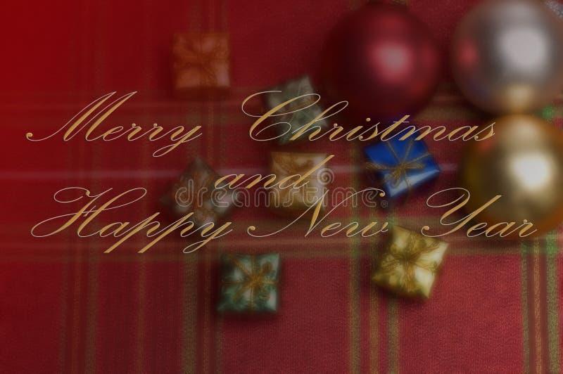 Glad jul och önska för lyckligt nytt år med suddiga prydnader royaltyfri foto