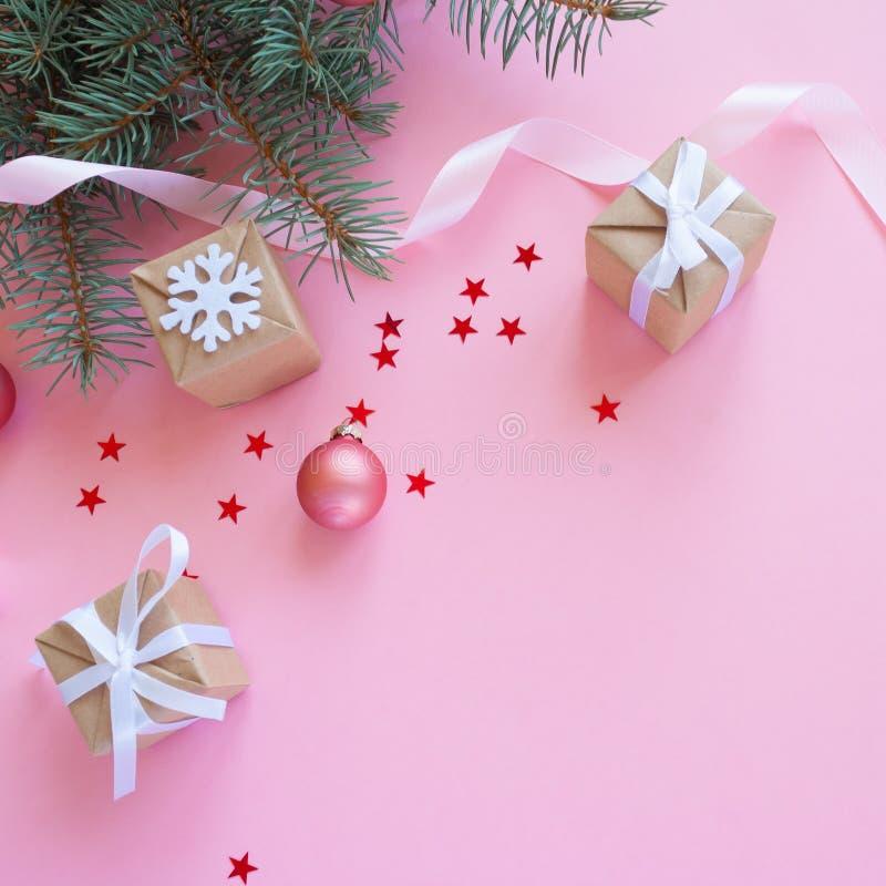 Glad jul och lyckligt nytt år Rosa bakgrund arkivbild