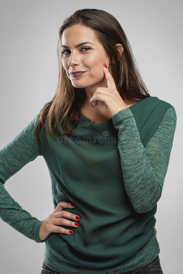 Glad kvinna som ler royaltyfri fotografi