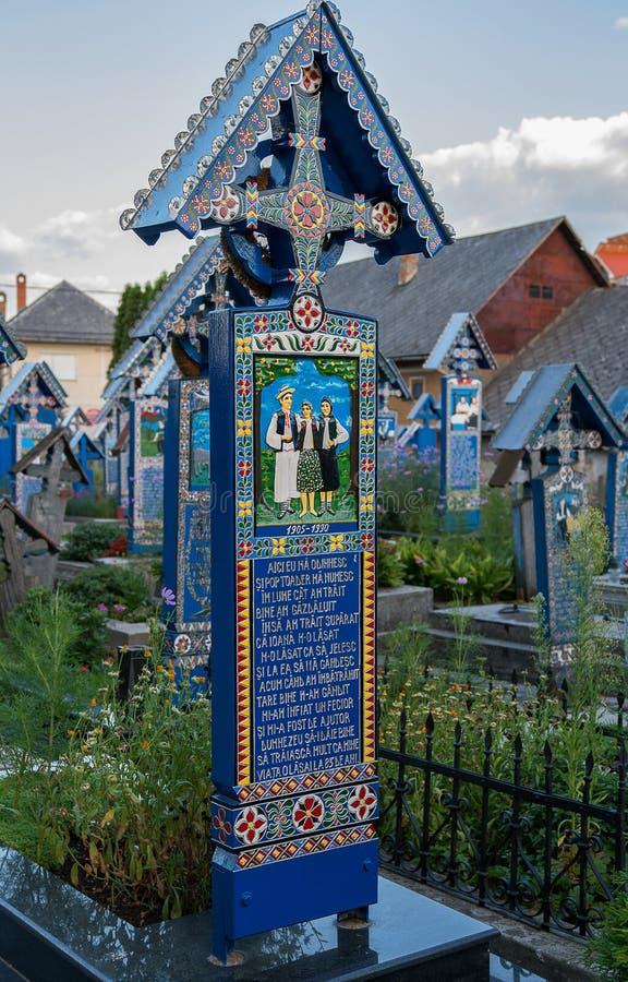 Glad kyrkogård i Sapanta, Maramures royaltyfri fotografi
