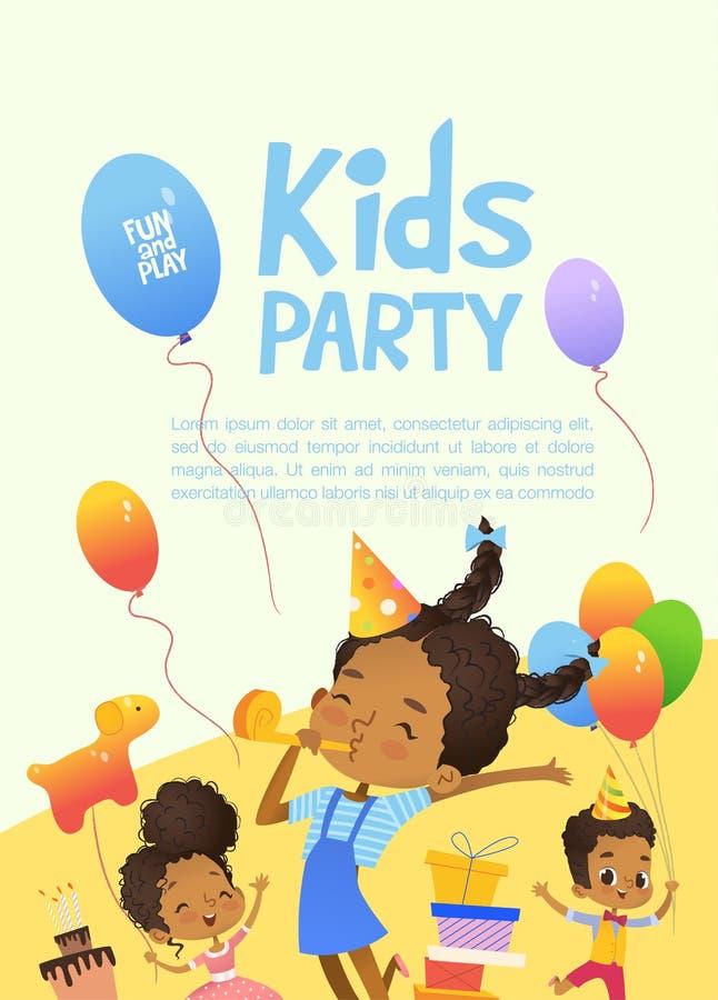 Glade afrikansk amerikanungar i födelsedaghattar och ballonger hoppar lyckligt Gulliga kaniner, en grupp av gåvor på stock illustrationer