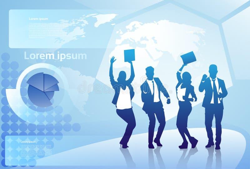 Gladlynt grupp av armar för kontur för affärsfolk lyckliga lyftta över laget för Businesspeople för världskartabakgrund det lycka royaltyfri illustrationer