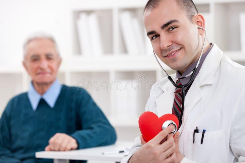 Gladlynt kardiolog royaltyfri foto