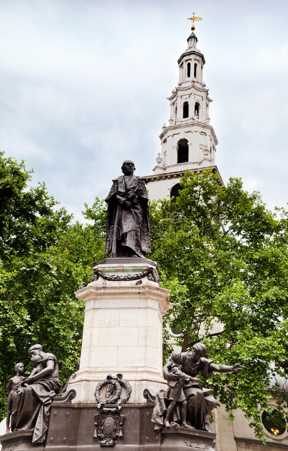 Download Gladston Monument St Clement Danes Church London Stock Photo - Image: 22497560