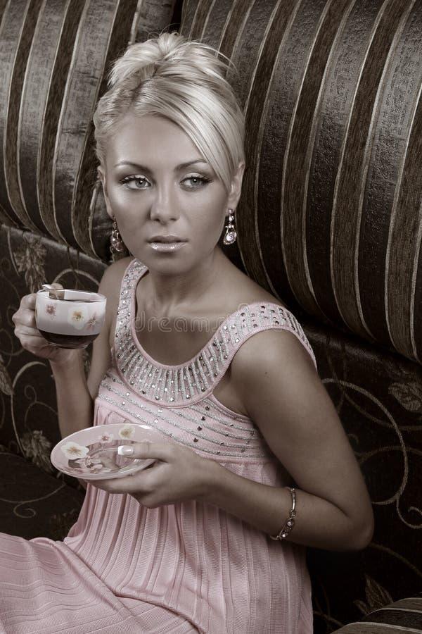 glamorös kvinna arkivbilder