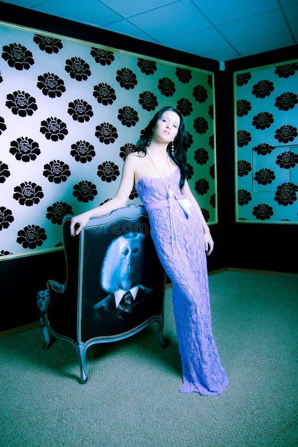 glamoröst kvinnabarn arkivfoto