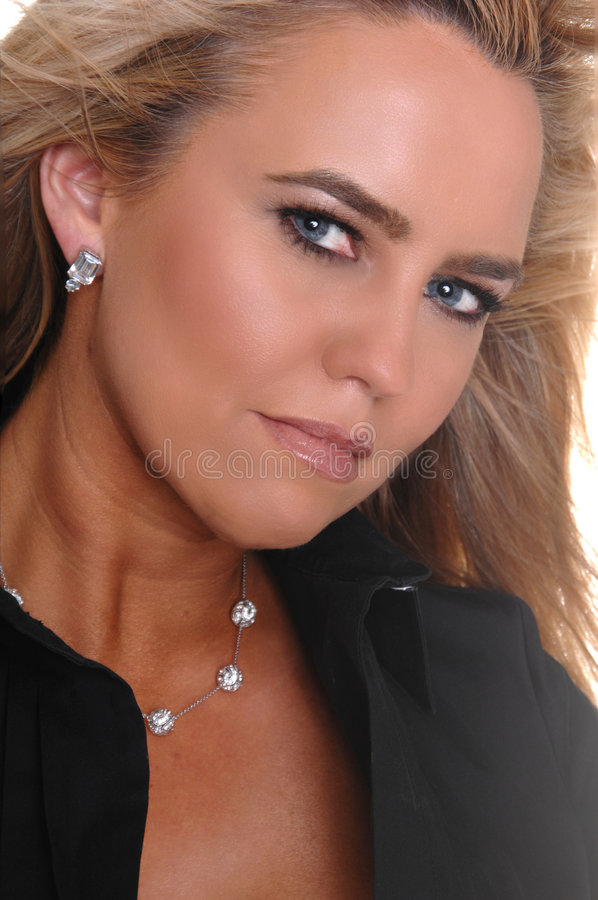 Glamor blonde blaue Augen lizenzfreie stockbilder