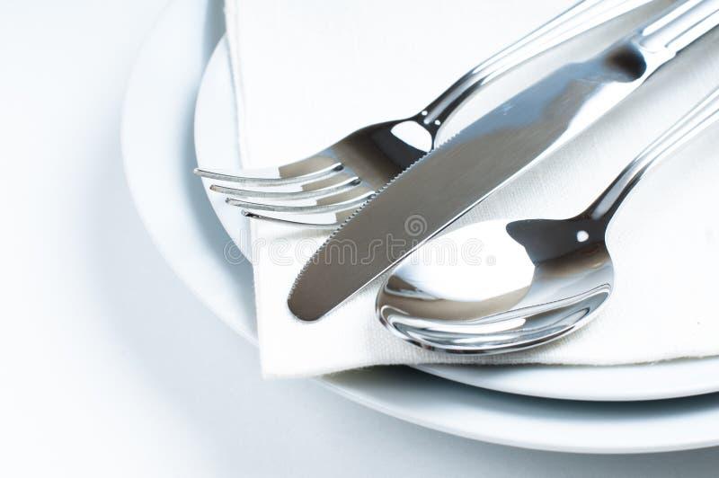 Glanzend nieuw bestek, tafelzilver stock afbeeldingen