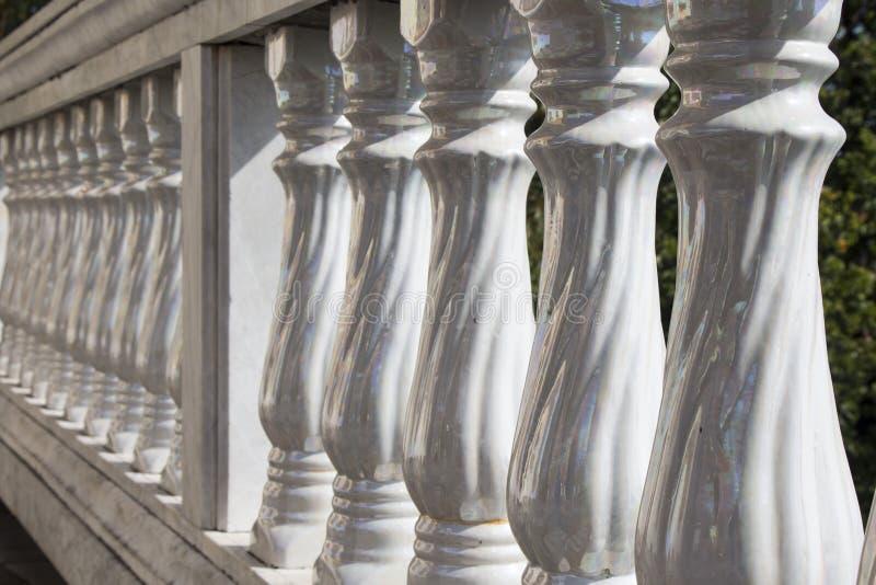 Glanzende Pijlers stock afbeelding