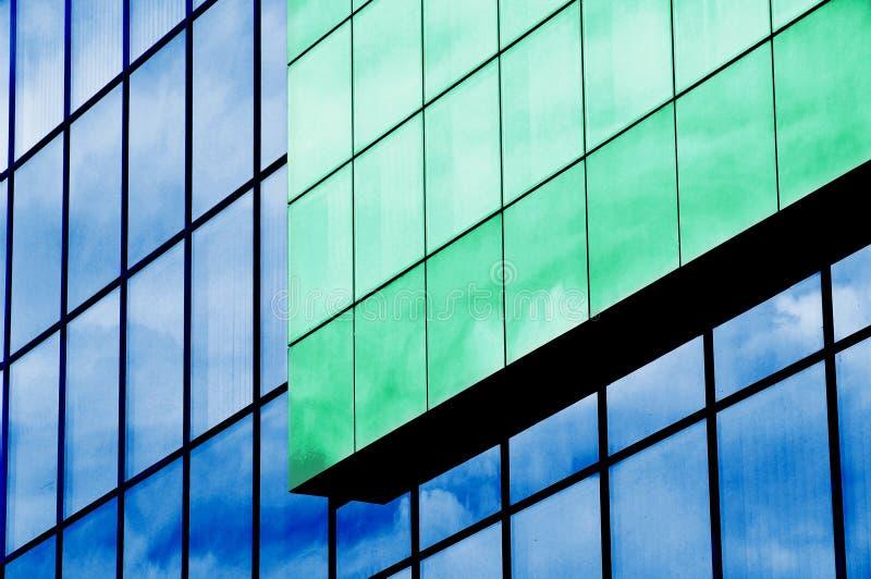 Glasäußeres, errichtende Fassade lizenzfreie stockfotos