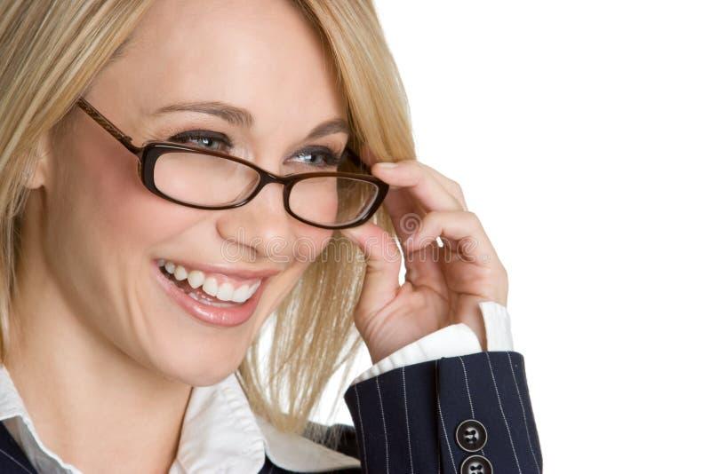 glasögon som skrattar kvinnan royaltyfri foto