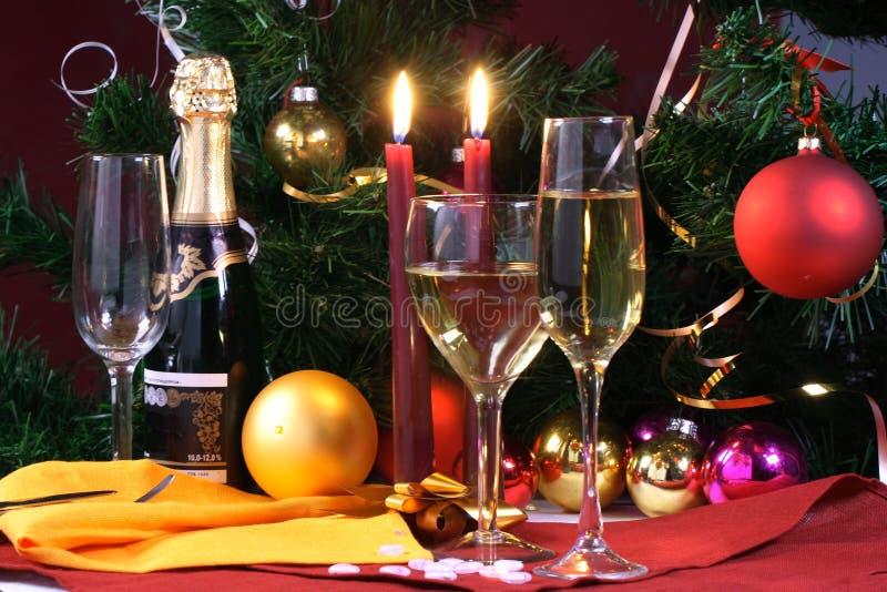 Glas bereiten Sie für Feiertag, das Weihnachten vor und sich treffen stockfotografie