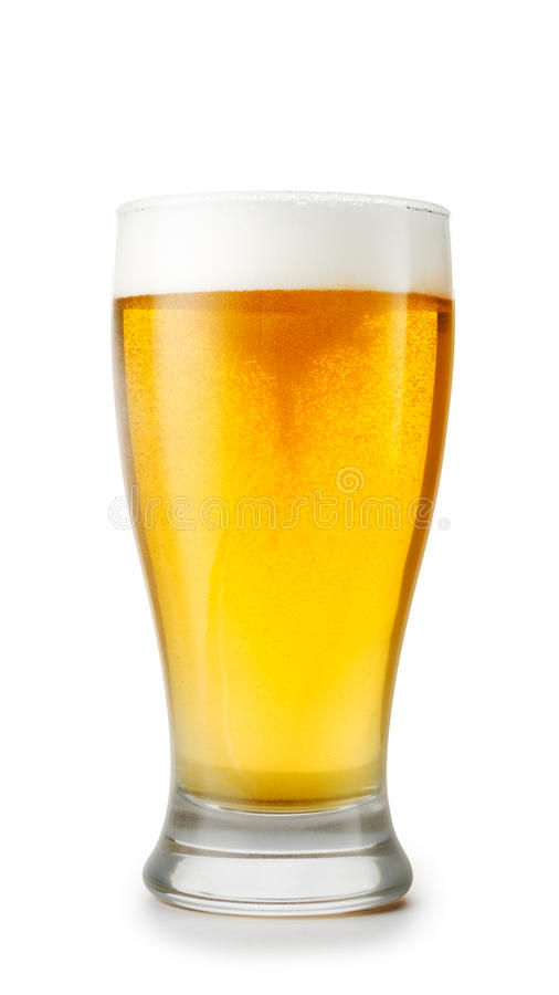 Glas bier op witte achtergrond royalty-vrije stock afbeeldingen