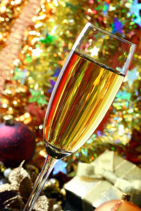 Download Glas champagne. stock foto. Afbeelding bestaande uit ornament - 10780256