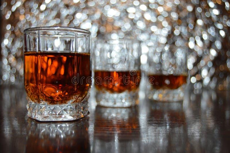 Glas cognac stock afbeelding