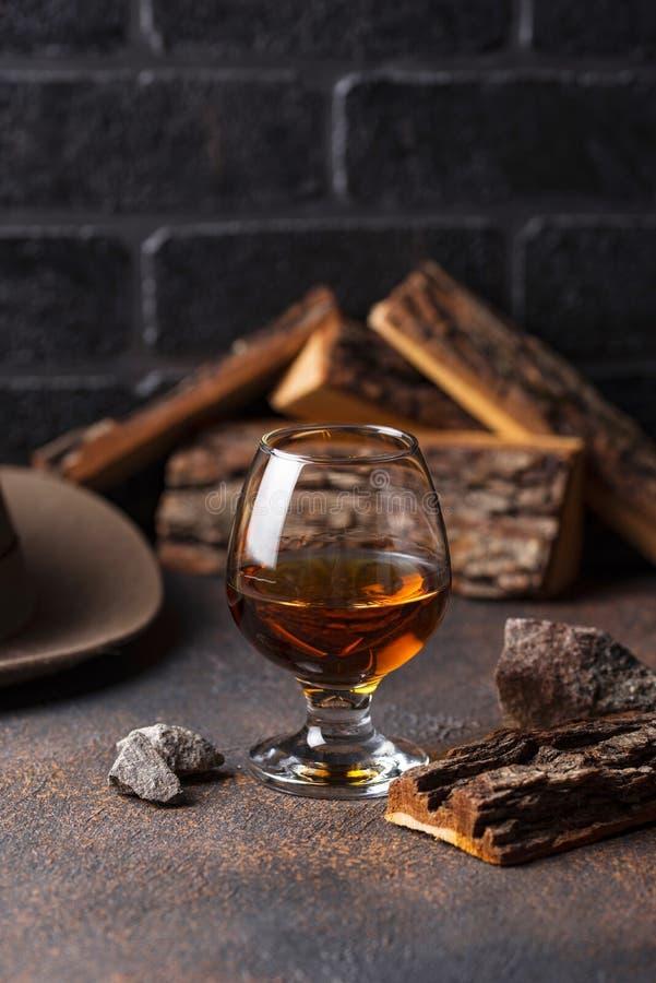 Glas cognac of whisky royalty-vrije stock fotografie