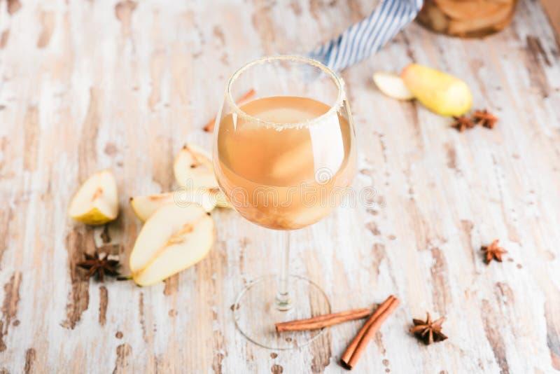 Glas de cocktail of de limonade van de Ciderpeer, royalty-vrije stock fotografie