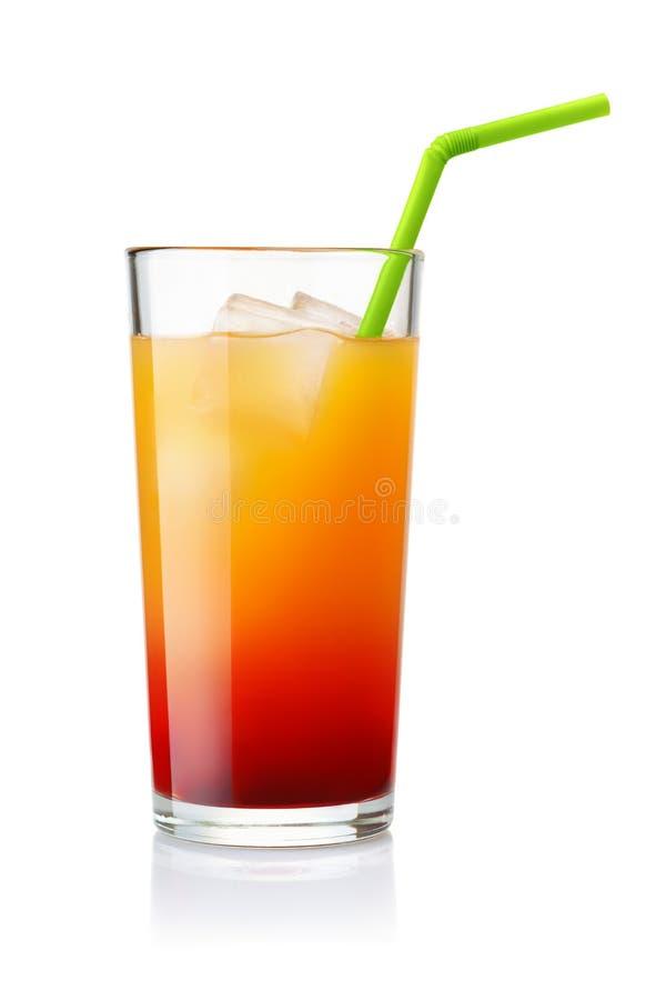 Glas des Tequila-Sonnenaufgangcocktails stockfotos