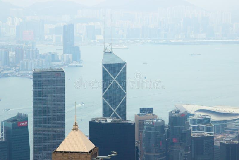 Glas die Hong Kong-stadssatellietbeeld van Victoria-piek bouwen De toren van de satellietbeeldwolkenkrabber in commercieel centru royalty-vrije stock fotografie