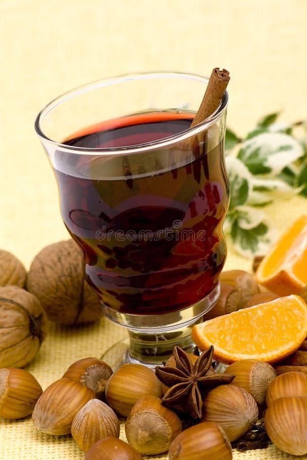 Glas heißer Wein lizenzfreies stockfoto