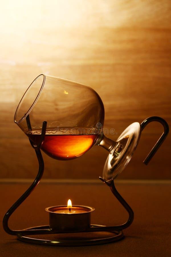 Glas hete cognac royalty-vrije stock afbeeldingen