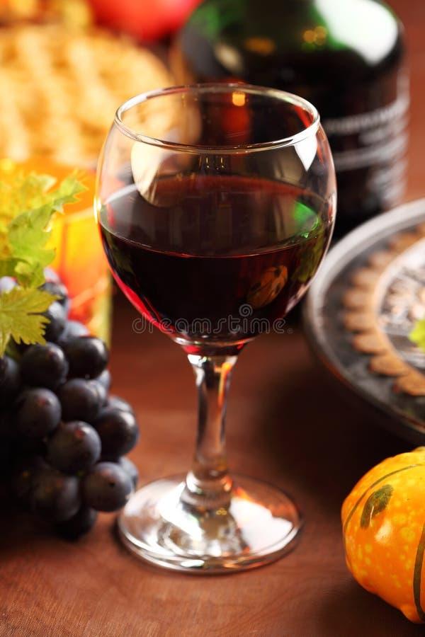 Glas rode wijn voor Dankzegging royalty-vrije stock afbeelding