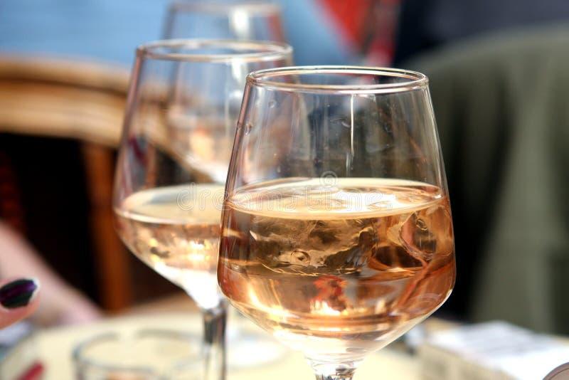Glas Rosen-Wein stockfoto