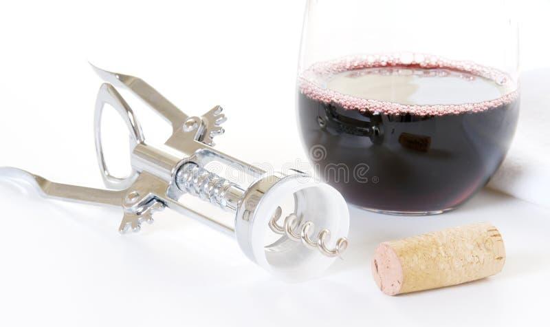 Download Glas Rotwein Mit Korken-und Wein-Öffner Stockfoto - Bild von cabernet, alcohol: 9098848