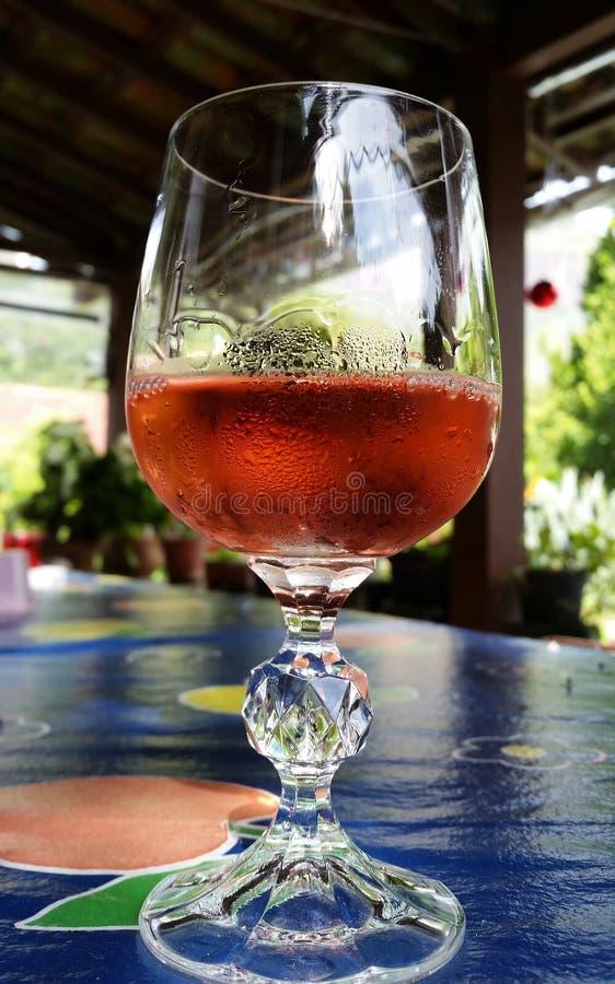 Glas Roze wijn royalty-vrije stock foto's