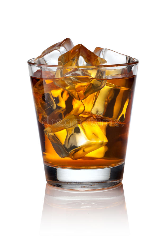 Glas Schotse whisky en ijs royalty-vrije stock fotografie