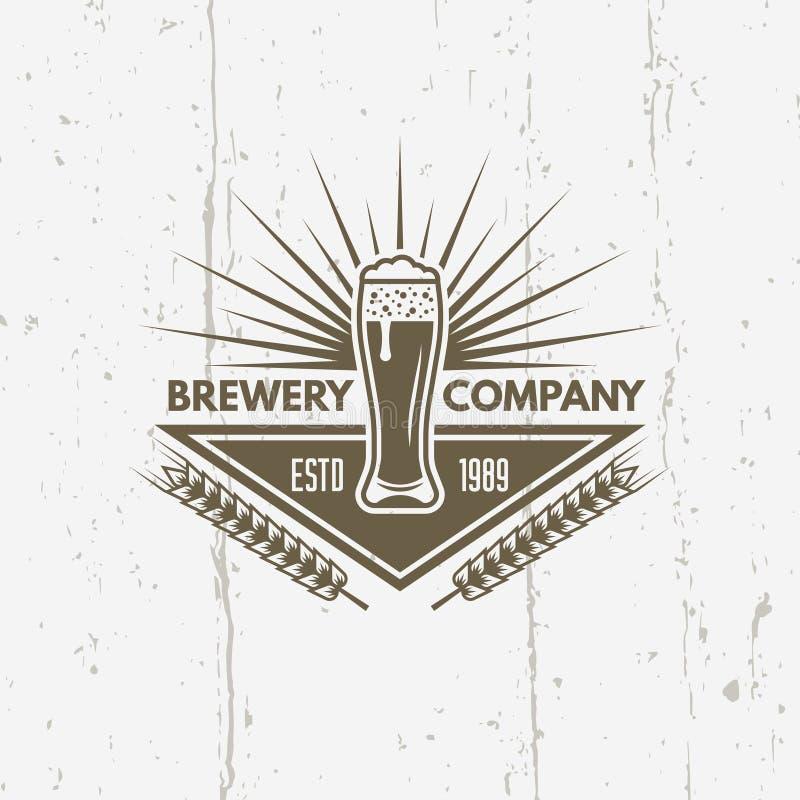 Glas van bier geïsoleerd vector uitstekend etiket stock illustratie