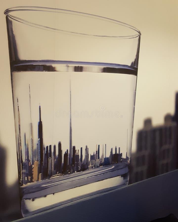 Glas Wasser New York lizenzfreies stockbild