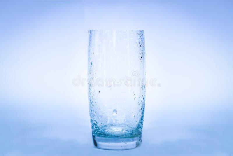 Glas Wasserspritzen stockfotografie