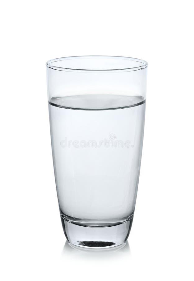 Glas water op witte achtergrond royalty-vrije stock fotografie