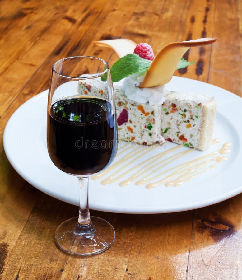 Glas zoete sherry met dessert royalty-vrije stock afbeeldingen