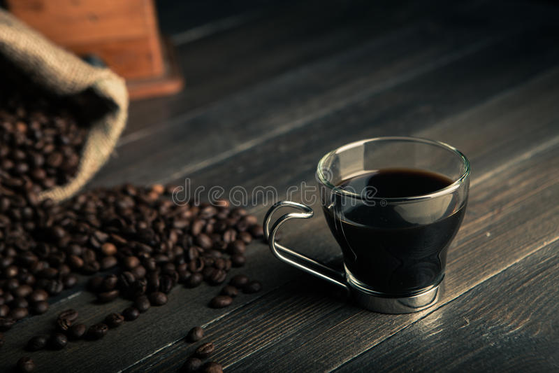 Glas zwarte koffie stock afbeelding