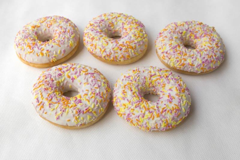 Glasade varma donuts, söt maträtt för te royaltyfri fotografi