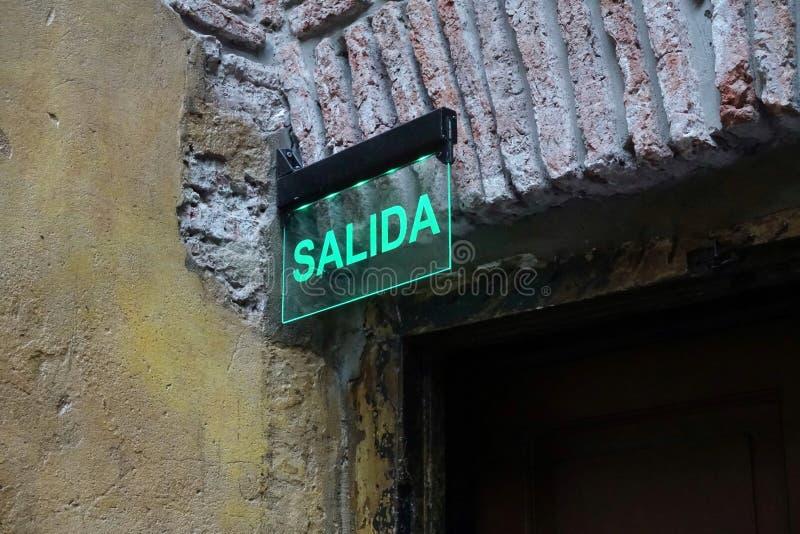 Glasausgangszeichen auf spanisch stockbilder