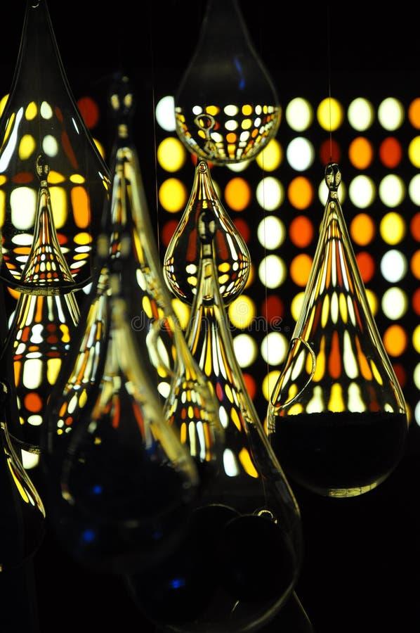 Glasbirnen und gelbe Farben lizenzfreies stockfoto