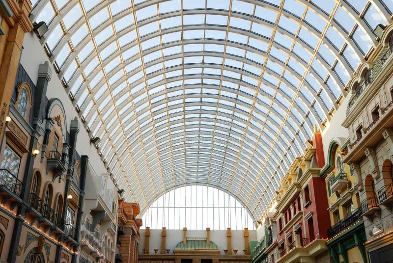 Glasdachstuhl im Westedmonton-Mall stockbilder