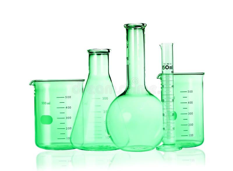 glasföremål isolerade vita laboratoriumprovrör Töm mätningscylindern/buretten med graderade markeringar royaltyfria foton
