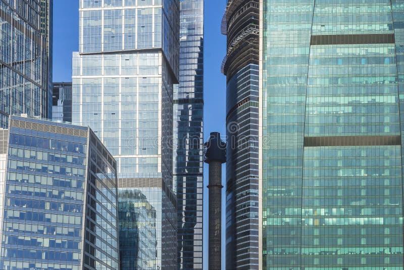 Glasfassaden von Wolkenkratzern in Moskau lizenzfreies stockfoto